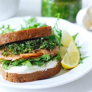 sendvič s lososem